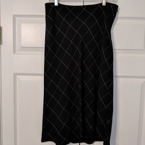 NY & Co black window pane skirt, sz 8